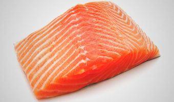 ¿El salmón ahumado engorda?