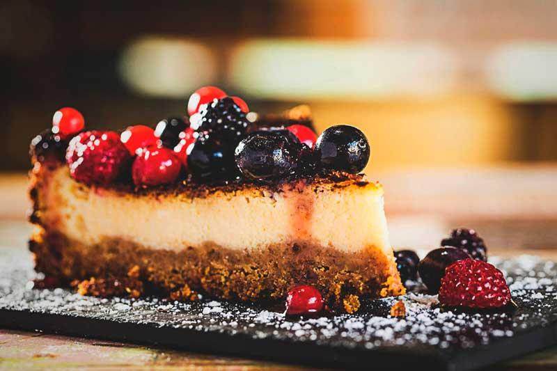 ¿La tarta de queso engorda?